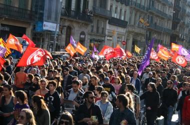 Demostració de força de l'Esquerra Independentista durant el Primer de maig a Barcelona